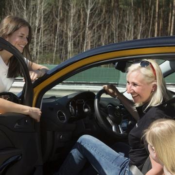 Picture of Ladies Training: Fahrsicherheits Training von Frauen für Frauen